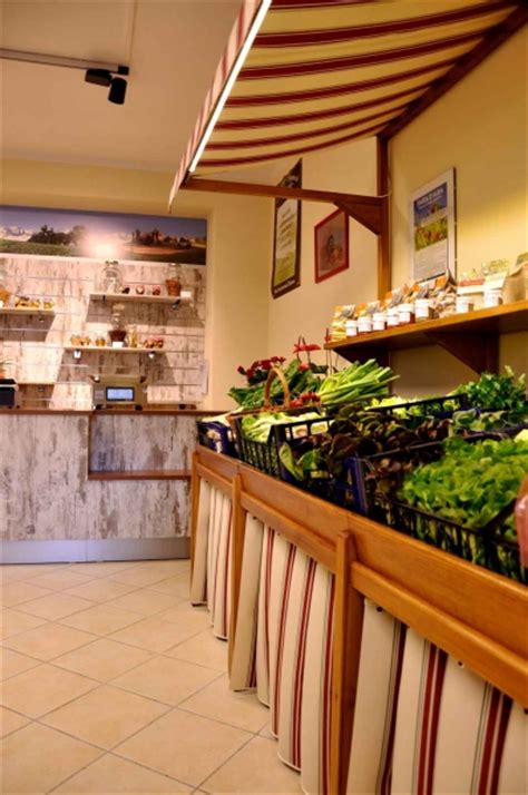 cn arredamenti arredamenti per frutta e verdura progettazione e produzione