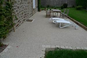 Cailloux Pour Cour : terrasse beton gravier ~ Premium-room.com Idées de Décoration