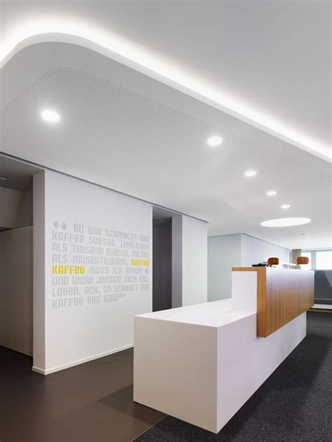 bureau reception 1000 ideas about office reception on