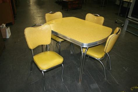 yellow formica table  vintage design seeur