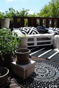 Tapis D Extérieur Pour Terrasse : des tapis sur la terrasse floriane lemari ~ Teatrodelosmanantiales.com Idées de Décoration