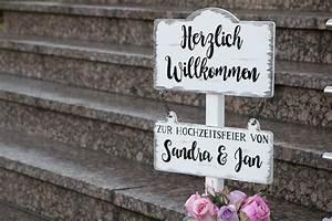 Brennstab Für Holz : handbemalte willkommensschilder aus holz f r eure hochzeit ~ Frokenaadalensverden.com Haus und Dekorationen