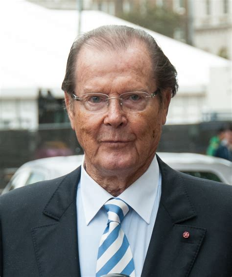 roger moore passed away sir roger moore passes away aged 89 entertainment daily