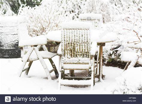 Stuehle Im Schnee by Furniture Stockfotos Furniture Bilder Alamy