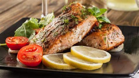 cuisine bretonne pourquoi la cuisine bretonne comporte t si peu de plats à base de poisson