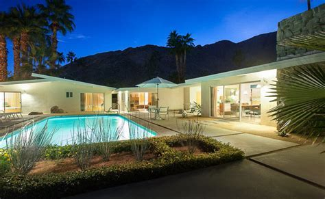 Mid Century Modern home in Palm Springs   Midcentury