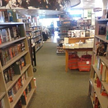 barnes and noble peabody barnes noble 12 reviews bookshops 210 andover st