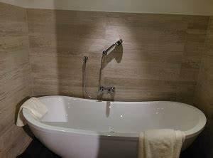 Wieviel Liter Passen In Eine Badewanne : duschkopf kaufen die besten von grohe und hansgrohe im test ~ Orissabook.com Haus und Dekorationen