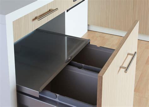 tiroir poubelle cuisine cuisine adaptée pmr avec modulhome