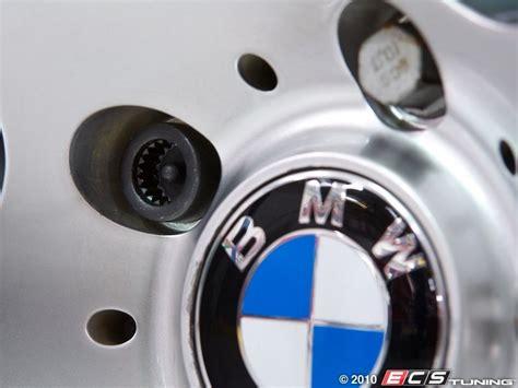 Genuine Bmw  36136786419  Wheel Lock Kit With Key Set
