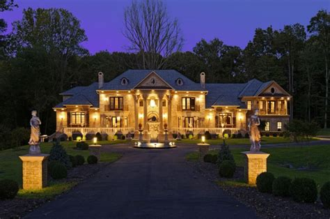 17 Fabulous Mansion Houses That Will Take Your Breath Away