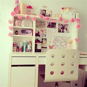 Girls room wall decor tumblr