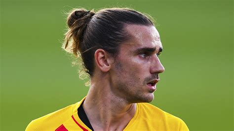 Antoine griezmann hair antoine griezmann hairstyle bleached. Griezmann: I won't cut my hair even if Barcelona tell me to | Sporting News Canada