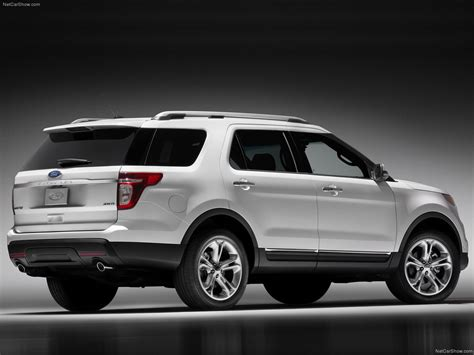 Ford Explorer (2011) - picture 30 of 80