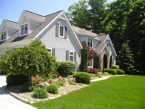 10 Awesome Ways To Improve Your Curb Appeal Proudly