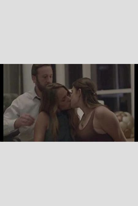 Jemima Kirke from HBO's GIRLS (lesbian scenes) - XVIDEOS.COM