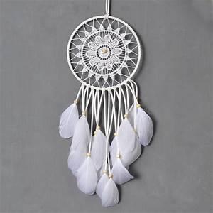 Attrape Reve Blanc : attrape r ves plumes blanches attrapes r ves ~ Teatrodelosmanantiales.com Idées de Décoration
