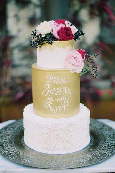 amazing wedding cakes  tantalise  tastebuds