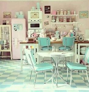 Amerikanische Küche Einrichtung : 50 39 s style pastel kitchen rockabilly k che pinterest wochenplaner rockabilly und nostalgie ~ Markanthonyermac.com Haus und Dekorationen