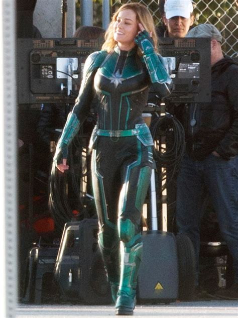 brie larson captain marvel powers captain marvel brie larson in pictures in costume amid