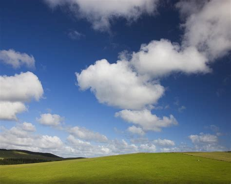 blue skies  green pastures wallpapers hd wallpapers