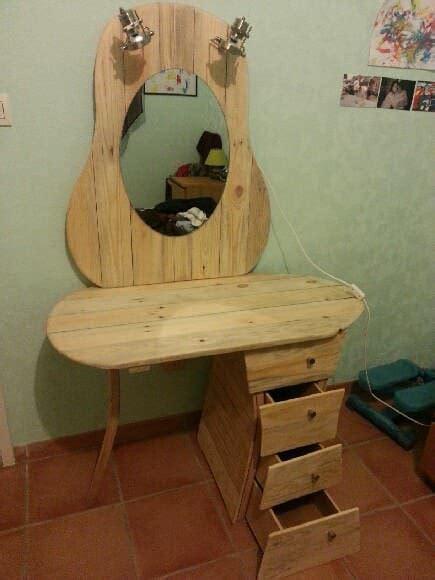 Table Et Chaises En Palettes Recyclées Wood Pixodium Dressing Pallet Table Coiffeuse 1001 Pallets