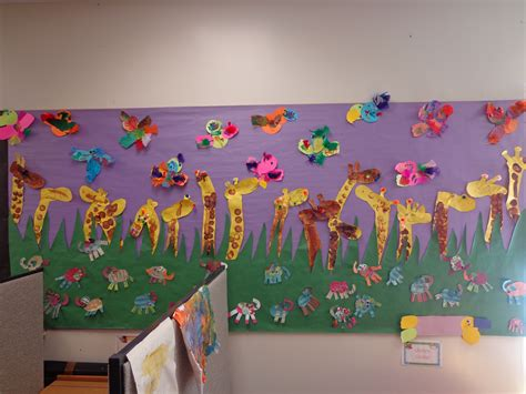 preschool jungle theme bulletin board giraffes parrots 112 | 4969cc53e8752146a30c4111b288c58b