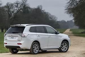 2017 Outlander PHEV Lovering Mitsubishi
