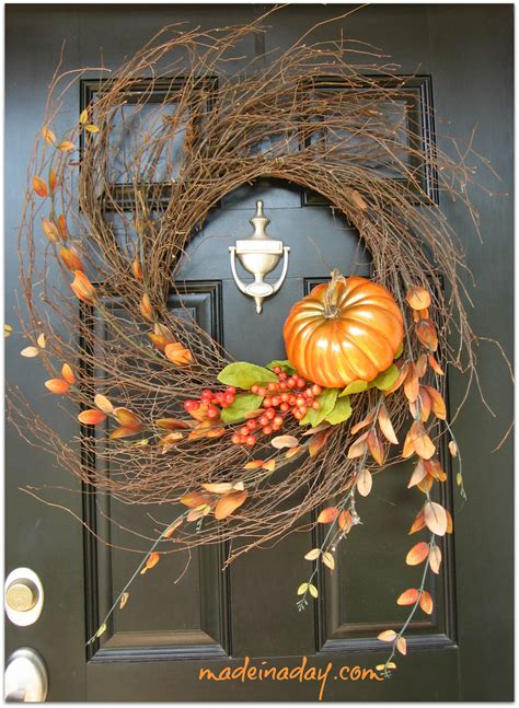 simple fall wreath 67 cute and inviting fall front door d 233 cor ideas digsdigs