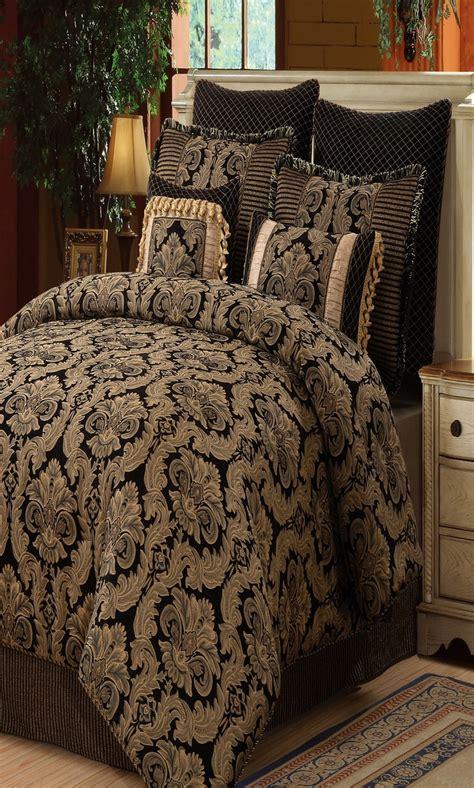 wildon home amelia chenille jacquard  piece comforter