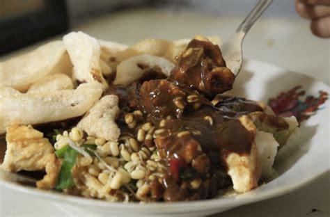makanan khas surabaya  enak  unik  wajib