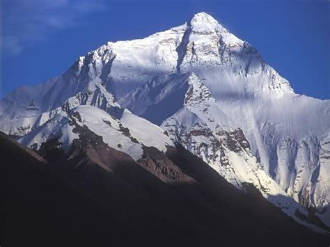 hauteur mont everest arts et voyages