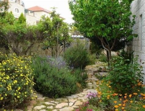 Mediterrane Gartengestaltung Ideen by Liebevoll Kunst Garten Landschaft Gestaltung Mediterran