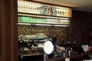 Restaurant In Passau : kreative holzverkleidung im innenbereich mit kokos mosaikfliesen ~ Eleganceandgraceweddings.com Haus und Dekorationen