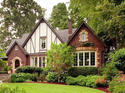 shingle style traditional home