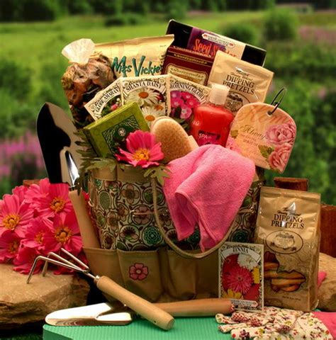 gardeners gifts ideas choosing the perfect gardening gifts for those avid gardeners modern home design gallery