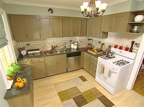 trendy kitchen colors color enhances family friendly kitchen hgtv 2934