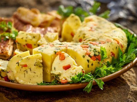 Bauskas pils sietais siers ar dārzeņiem - Garšīgā Latvija