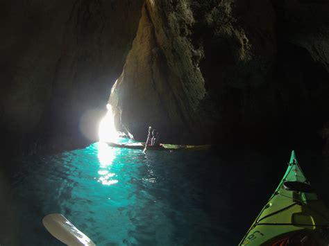 oule le de bureau grotte de l 39 oule calanc 39 o kayak paddle