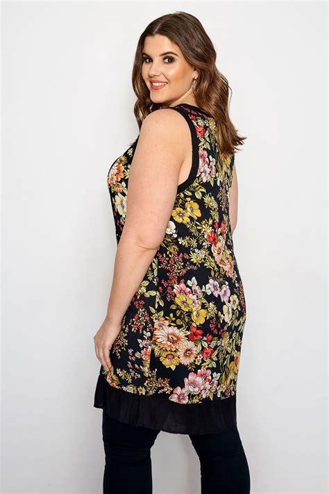 Izabel Curve Kleid Im Blumenmuster  Schwarz, Große Größen