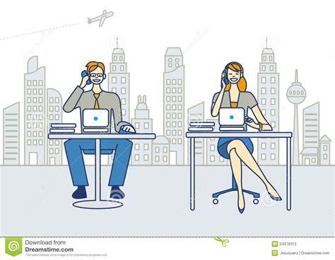 travailler dans un bureau hommes et femme travaillant dans un bureau photos stock