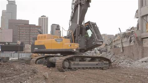 volvo demolition excavator brings  metrodome youtube