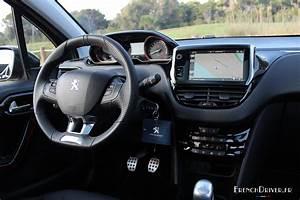Interieur Peugeot 2008 Allure : essai peugeot 2008 restyl e r gime aux hormones suv french driver ~ Medecine-chirurgie-esthetiques.com Avis de Voitures