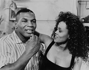 Mike Tyson and Robin Givens - Photos - Hall of Fame WAGs ...