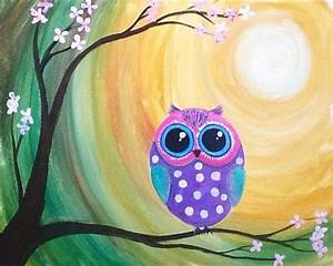Le petit Hoot. A small owl on a branch in forest moonlight ...