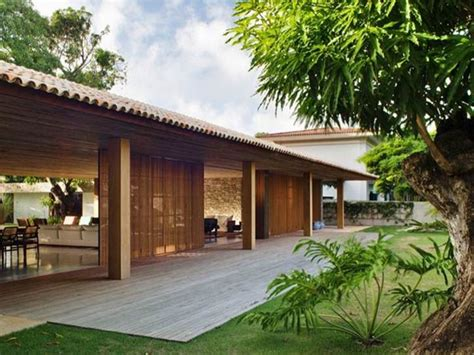 Tropical Home Style : Tropical Home Design For Minimalist Wooden House
