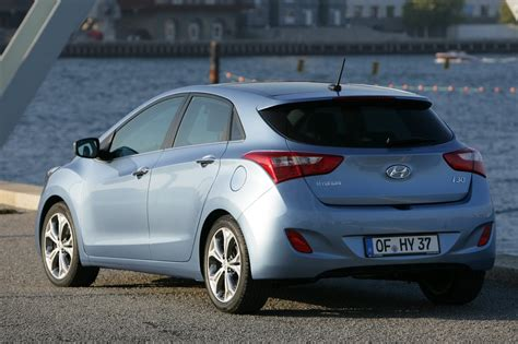 Hyundai Hatchback by New Hyundai I30 Hatchback Priced From 163 14 495 In Britain