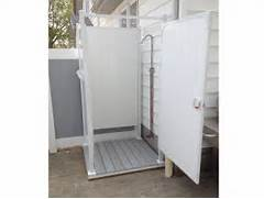 Outdoor Shower Ideas Single Shower Stall When Choosing An Outdoor Shower Keep Your Privacy Requirements In Outdoor Shower Enclosure Cedar Showers Kits Outdoor Company Outdoor Projects Outdoor Shower Outdoor Shower Ideas Outdoor Choosing