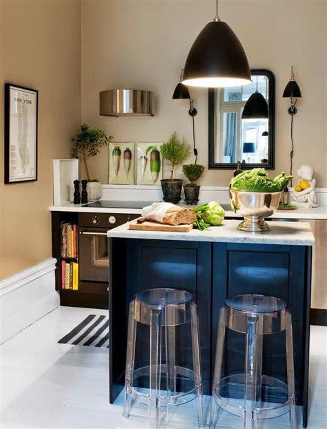fotos de cocinas modernas pequenas llenas de