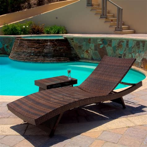 lakeport 3pc outdoor wicker chaise lounge table set